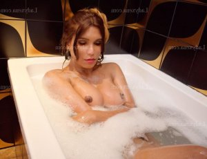 Giuliana massage sexemodel escort girl